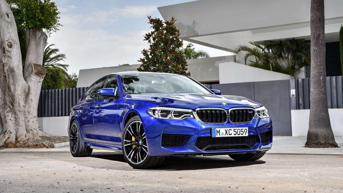 bmw greenlights m5 competition package could arrive next year. Black Bedroom Furniture Sets. Home Design Ideas