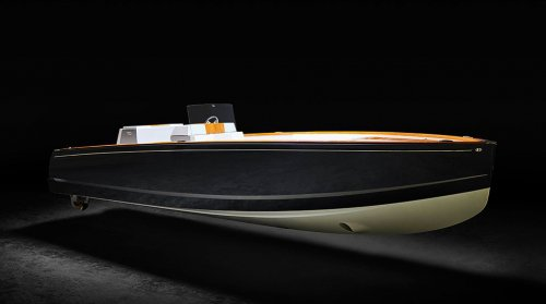 Hinckley Dasher is an all-electric day boat