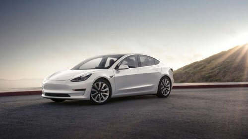 Tesla Model 3 offers 334 miles of range according to EPA