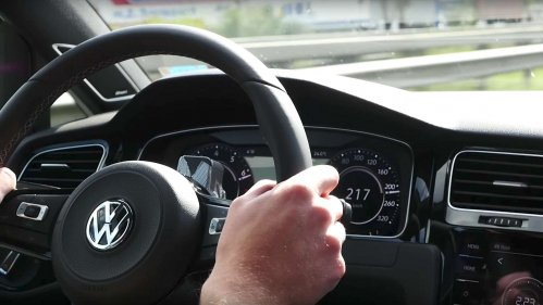 Watch how a VW Golf R clears its throat, sprints to 250 km/h