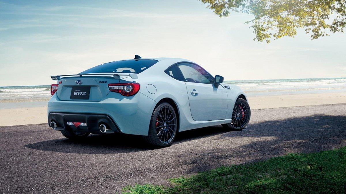 Subaru unveils limited edition WRX STI S208 and BRZ STI ...