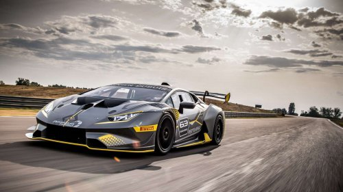 Lamborghini Huracán Super Trofeo EVO wants a piece of you