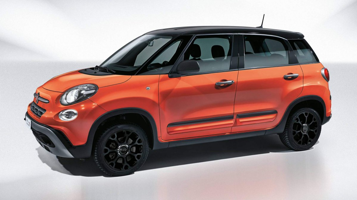 fiat applies more crossover cues to 500l with new city cross variant. Black Bedroom Furniture Sets. Home Design Ideas