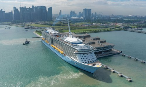 Ovation-of-the-Seas-at-Marina-Bay-Cruise-Centre-Singapore