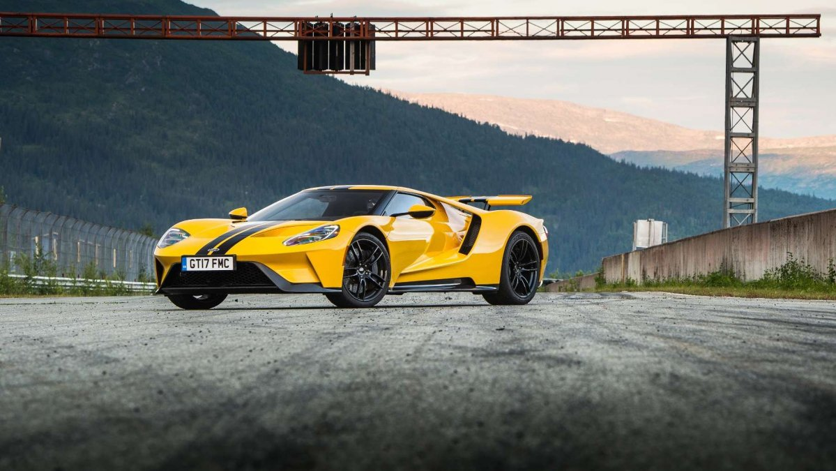 """Ford ford gt images : 2018 Ford GT is a """"very special driving device"""" says Chris Harris"""
