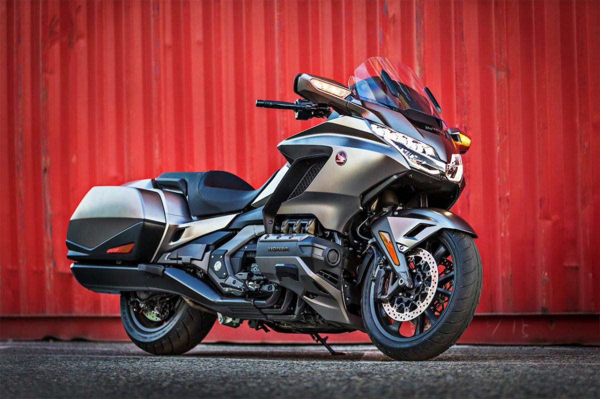 2018 GL 1800 Gold Wing - IMPRESSIVE. Meet Honda's new ...