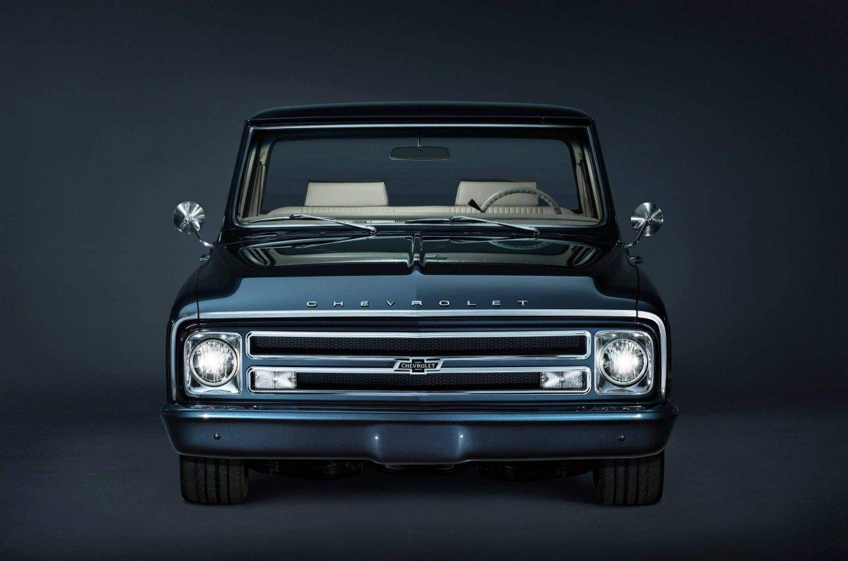 Pickup chevy c10 pickup truck : Chevrolet builds 1967 C/10 custom pickup for SEMA