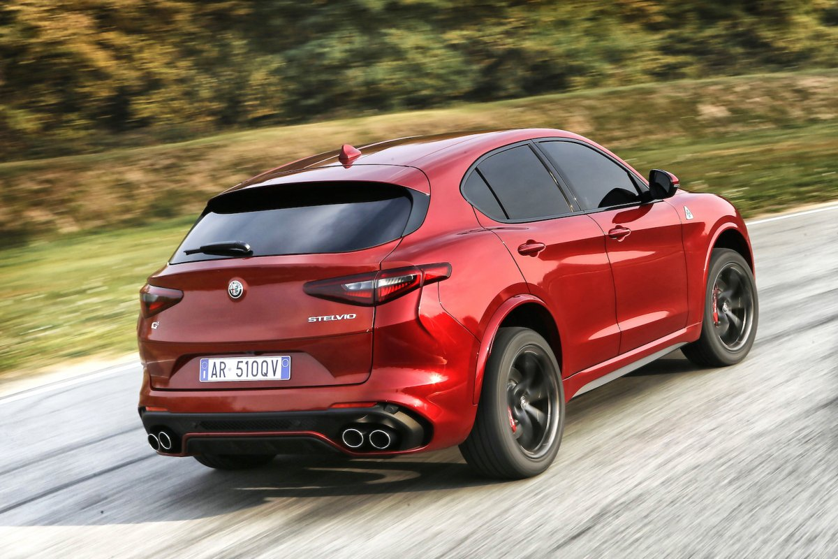 2018 alfa romeo stelvio quadrifoglio price revealed. Black Bedroom Furniture Sets. Home Design Ideas