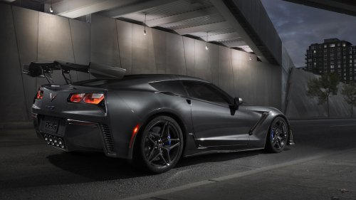 2019-Chevrolet-Corvette-ZR1-004