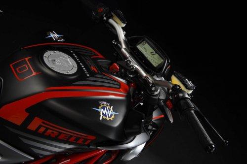 mv-agusta-brutale-pirelli-edition-motorcycle-5