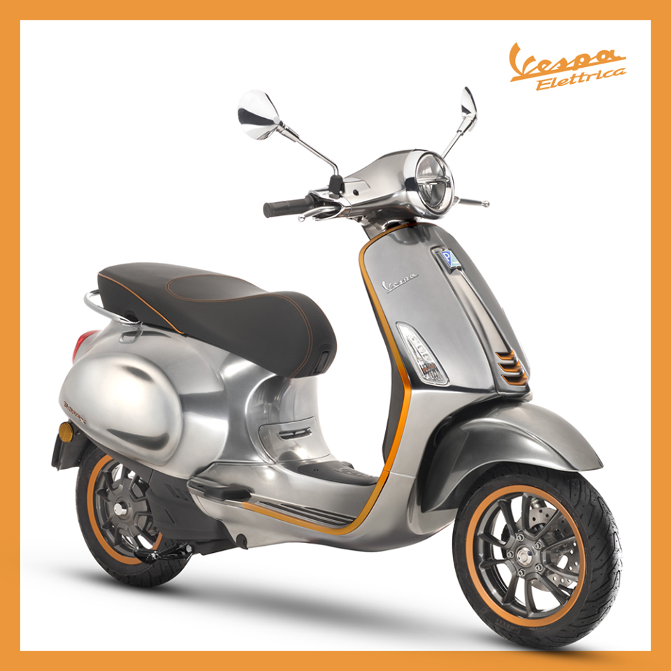 Vespa electric scooter - up to 200 km (124 miles) range