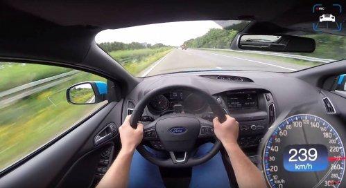 Ford-Focus-RS-autobahn-sprint