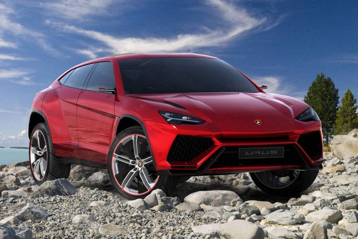 2012 Lamborghini Urus Concept takes on 2018 Urus production model in ...