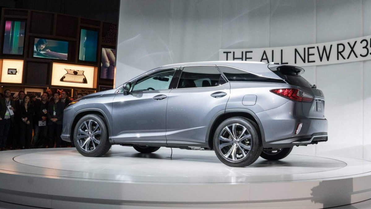 Lexus 3 Row Suv >> 2018 Lexus RX L is a three-row SUV that offers up to seven ...