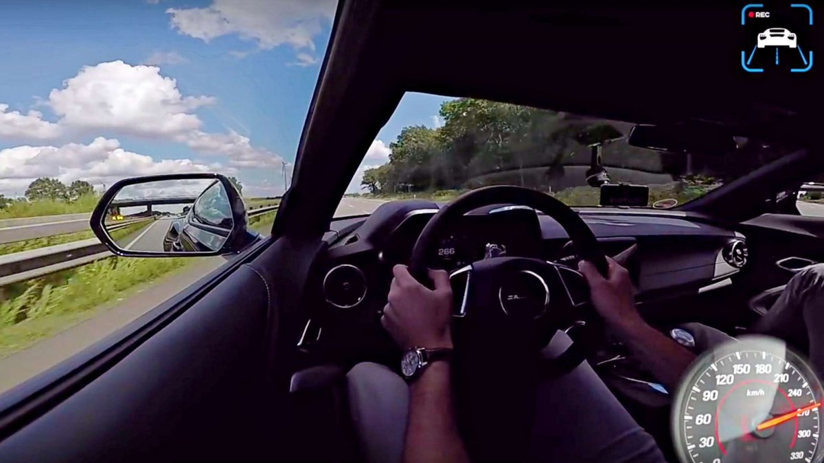 America, look at your Camaro SS doing a top speed run on Autobahn