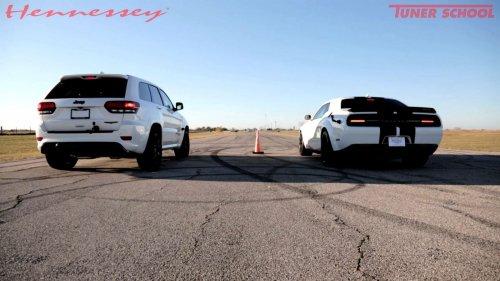 Hellcat drag race