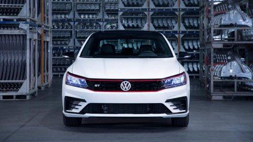 2018-VW-Passat-GT-0