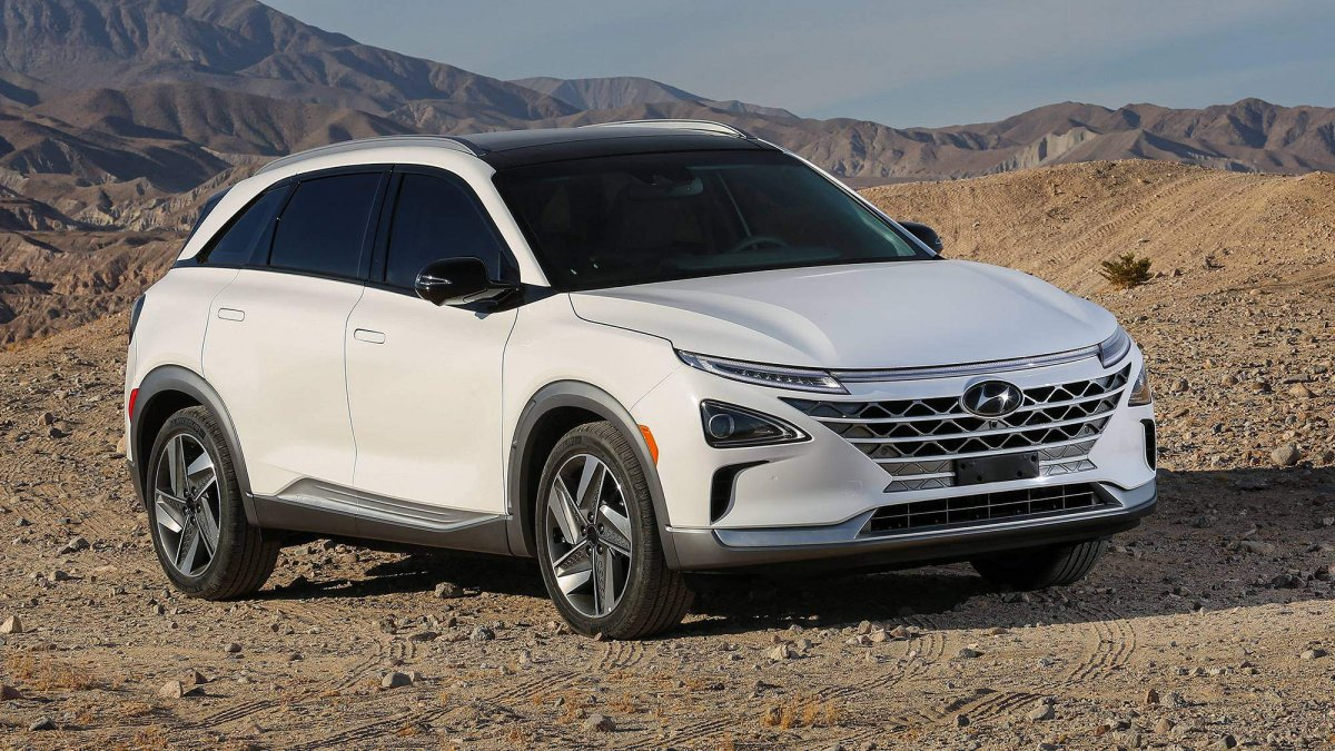 hyundai nexo debuts at ces 2018 with 370