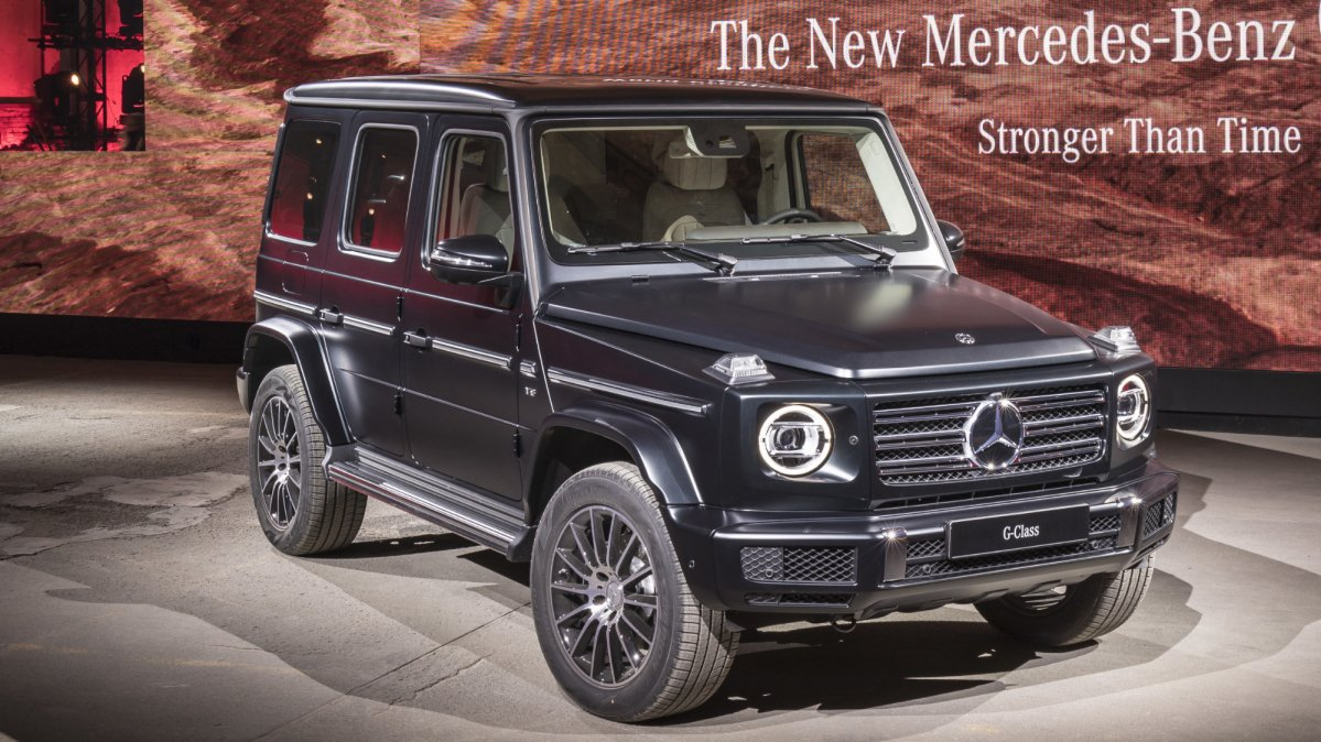 Video offers a better look at the reformed mercedes benz g for Mercedes benz current offers