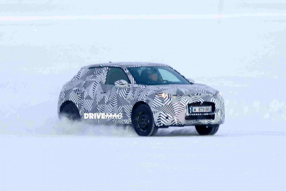 citroen ds3 crossback spied for the first time. Black Bedroom Furniture Sets. Home Design Ideas