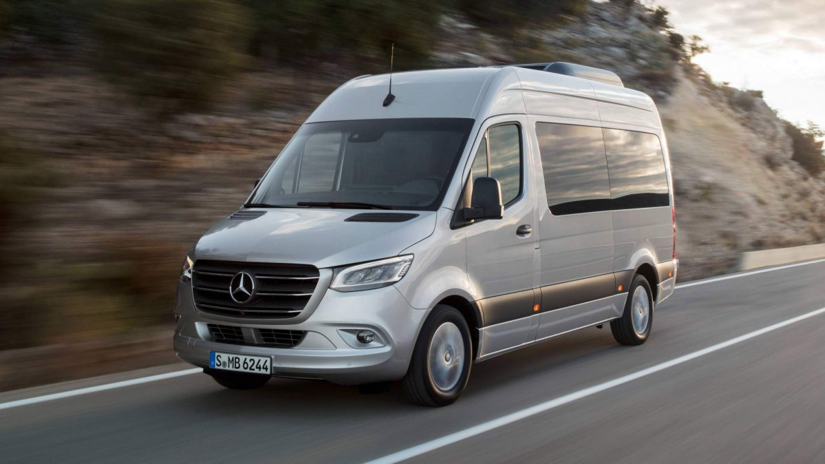 All New 2018 Mercedes Benz Sprinter Debuts In Many Shapes
