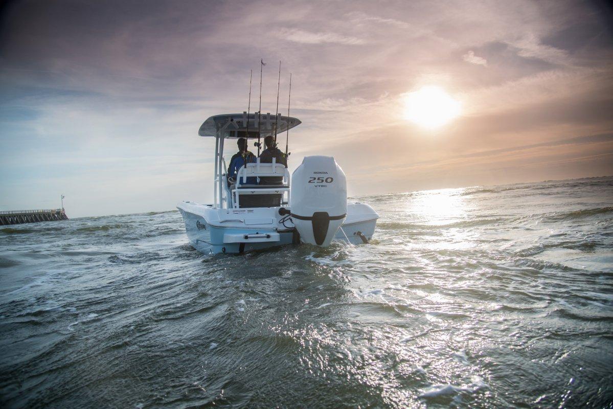 honda-marine-bf250-refreshed-v6-lifestyle-13