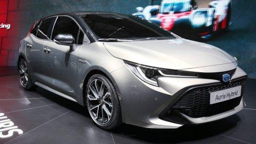 2018-Toyota-Auris-at-Geneva-Motor-Show-0