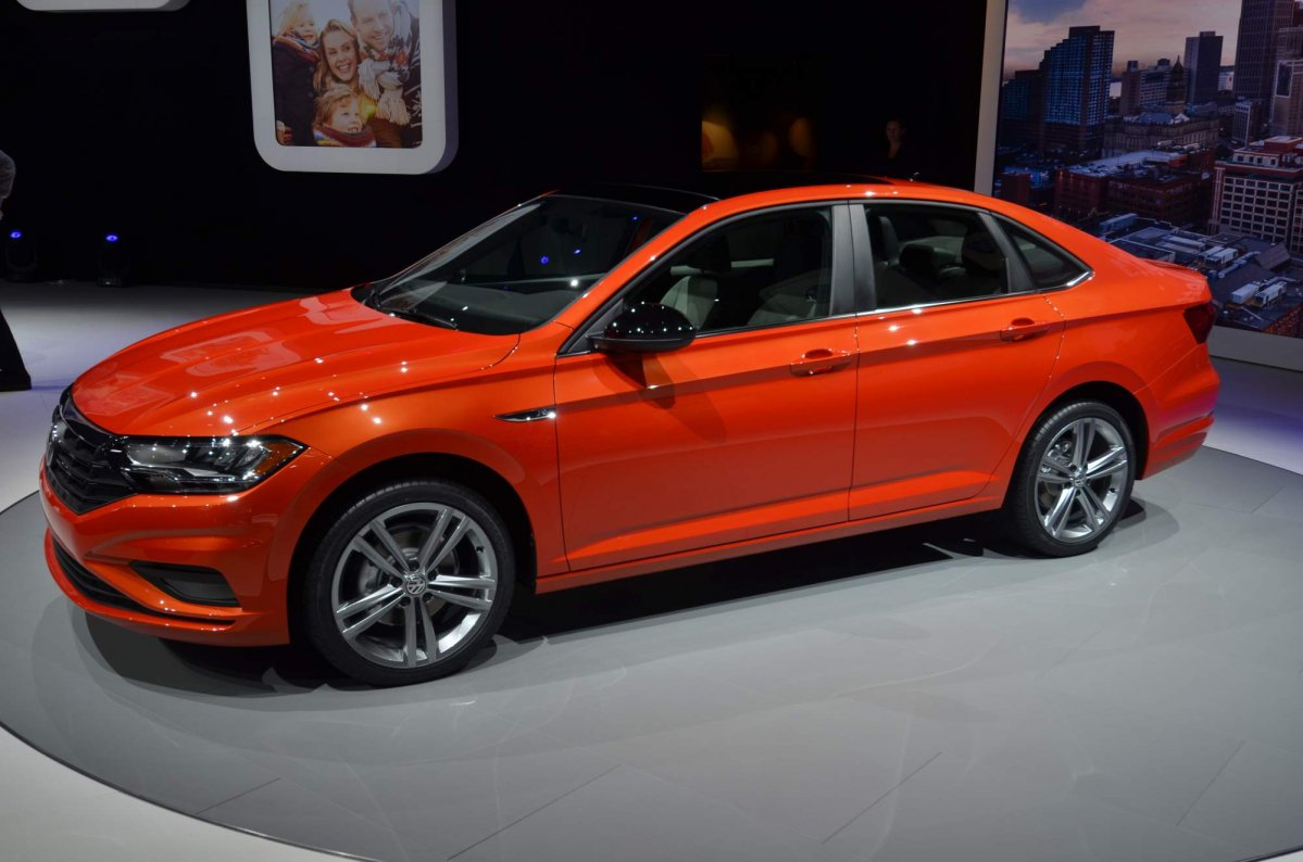 2019 vw jetta returns an epa estimated combined mileage of 34 mpg 2019 vw jetta at naias 2018 10 publicscrutiny Gallery