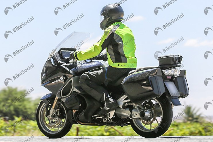 Here's the first spy shot of the new BMW RT 1250VVT