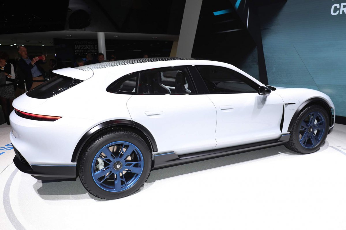 Porsche Mission E Cross Turismo Previews 2019 Production