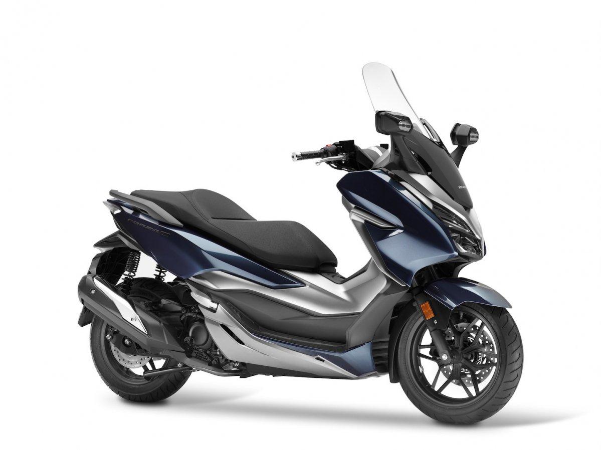 127279_Honda Forza 300