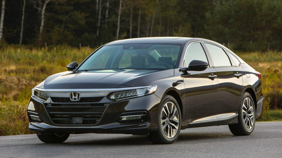 Honda has announced u s pricing for the 2018 accord hybrid for Honda accord base model