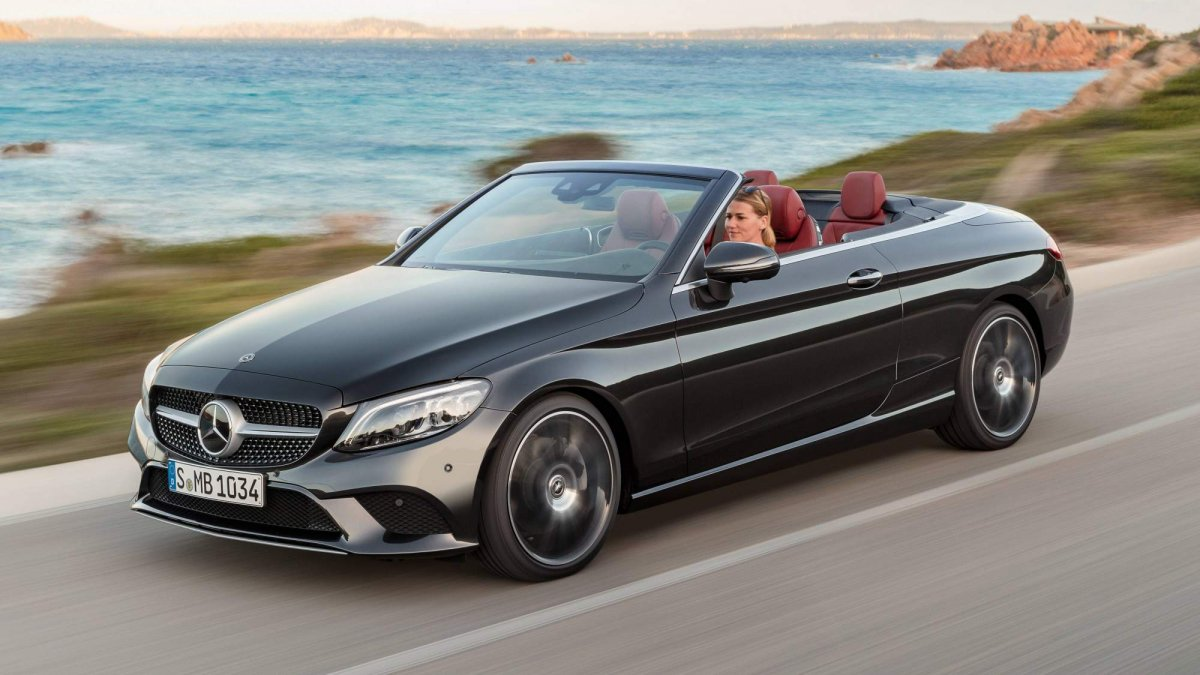 2019 mercedes benz c class coupe and cabriolet unveiled ahead of ny debut. Black Bedroom Furniture Sets. Home Design Ideas