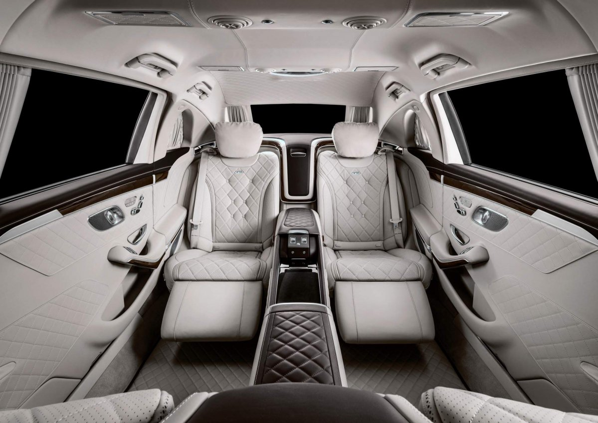 2019 mercedes maybach s650 pullman breaks cover with new grille and interior features for Mercedes benz maybach interior