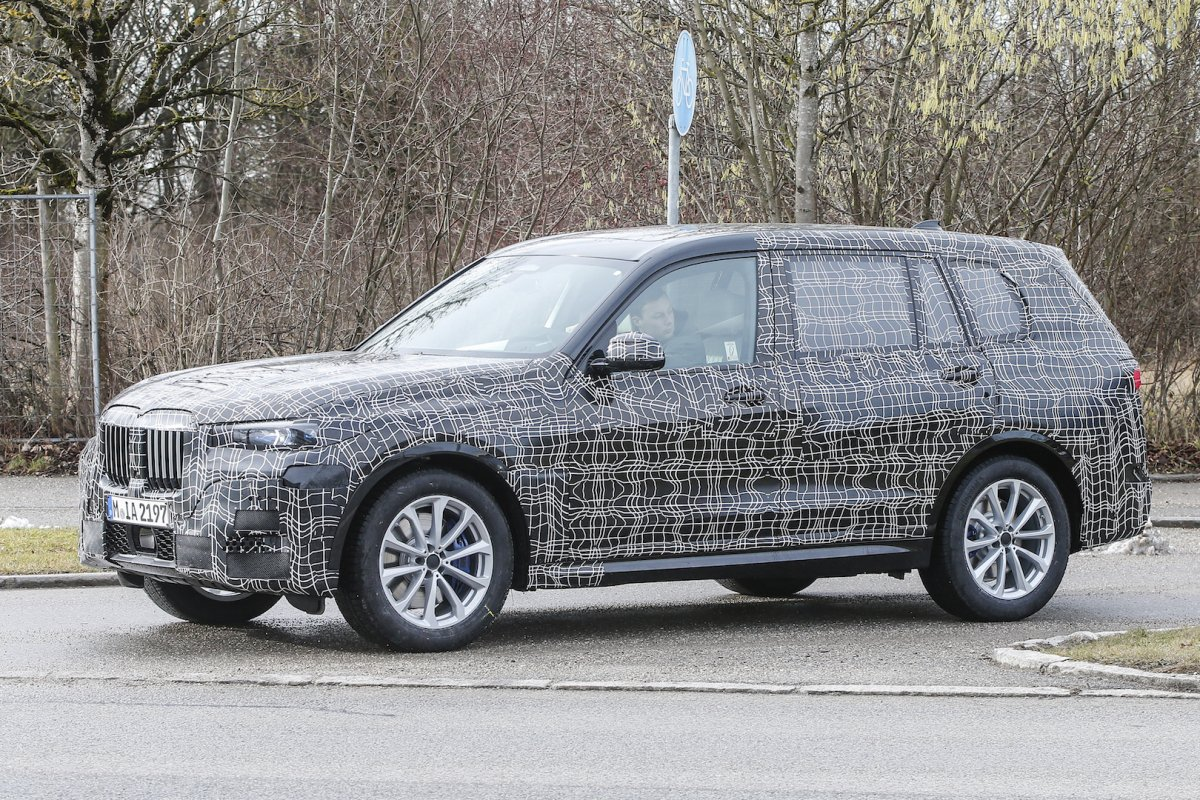 Near Production 2018 BMW X7 Spied Flaunting Immense Kidney Grille