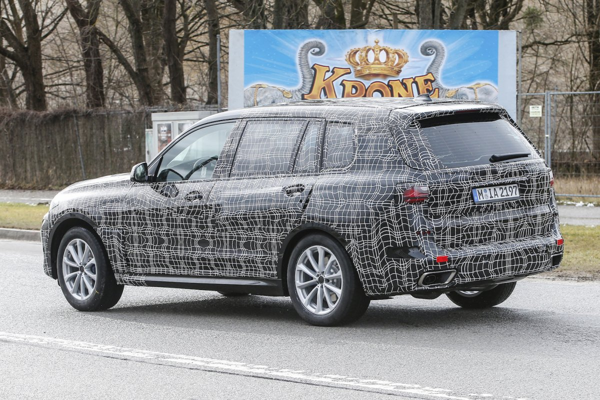 As 2017 Was Drawing To A Close An Internet Leak Revealed Some Of The Features And Technical Specifications BMW X7 XDrive50i