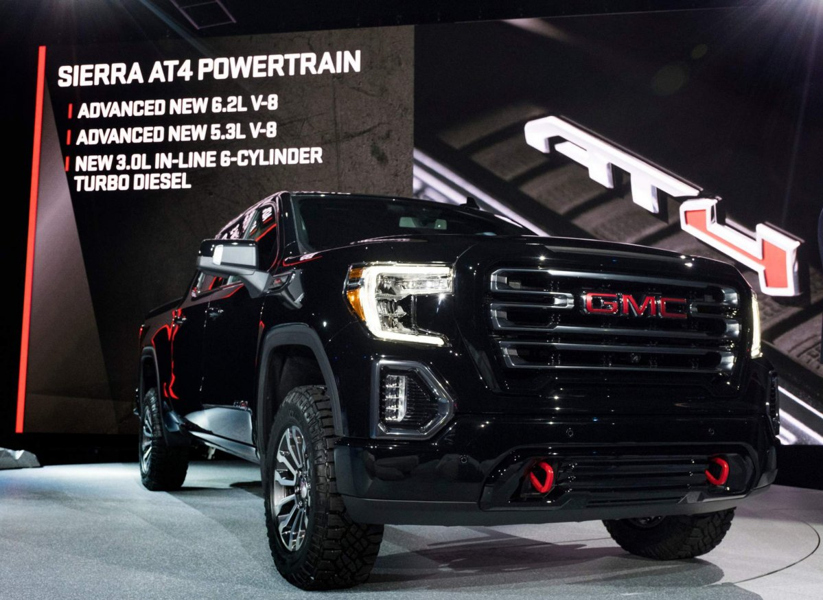 2019 GMC Sierra AT4 off-road pickup truck unveiled