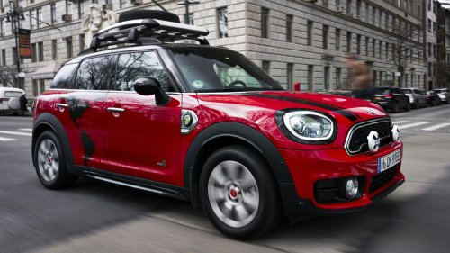 mini countryman plug-in hybrid panamericana front