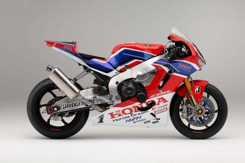 2019-Honda-CBR1000RRW-01