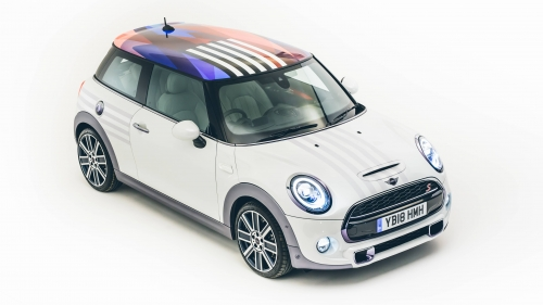 One-off-MINI-Hatch-for-the-royal-wedding-0