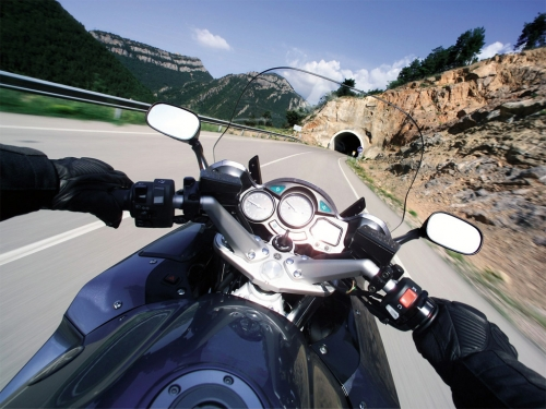 http-www.motorcycleblog.net-wp-content-uploads-2011-10-motorcycle-riding-photo