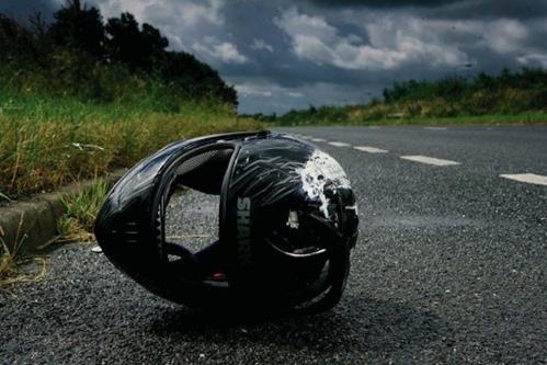 motorcycle-damaged-helmet