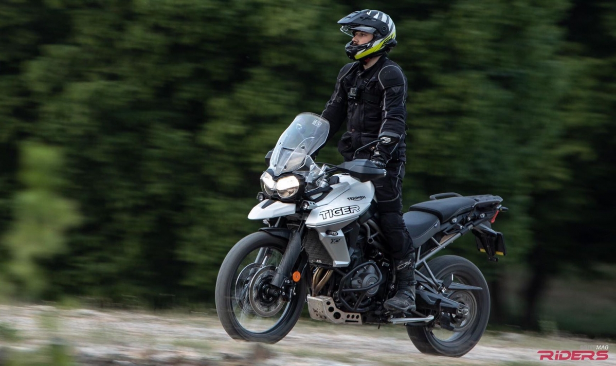 Drivemag riders us bikes motorcycles test rides triumph tiger 800 thumb 2 fandeluxe Gallery