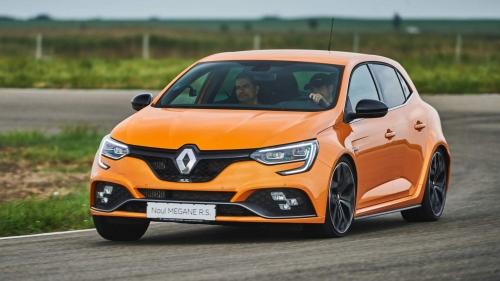 2018-Renault-Megane-RS-0