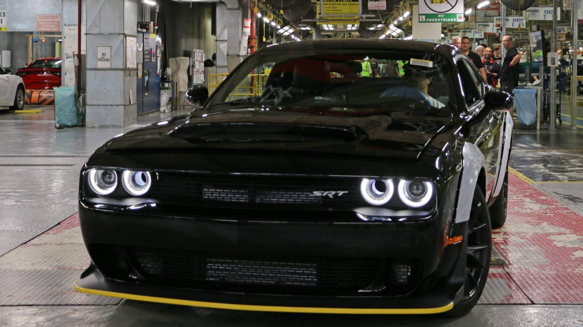 last 2018 dodge challenger srt demon rolls off the assembly line