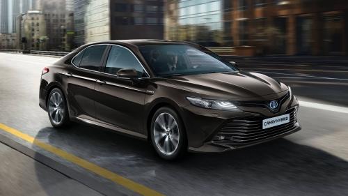 2019-Toyota-Camry-Hybrid-EU-spec-0