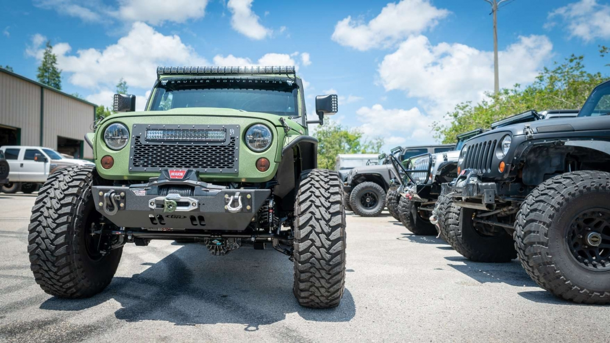 The Jeep Wrangler 6x6 is a hard thing to miss | Bruiser