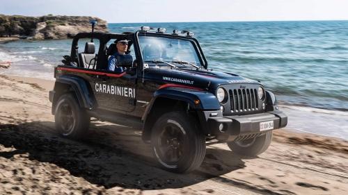 Jeep-Wrangler-Carabinieri-patrol-car-0