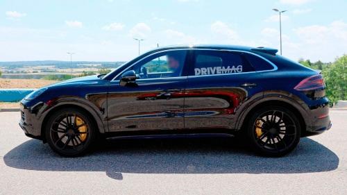 2020-Porsche-Cayenne-Coupe-spied-0