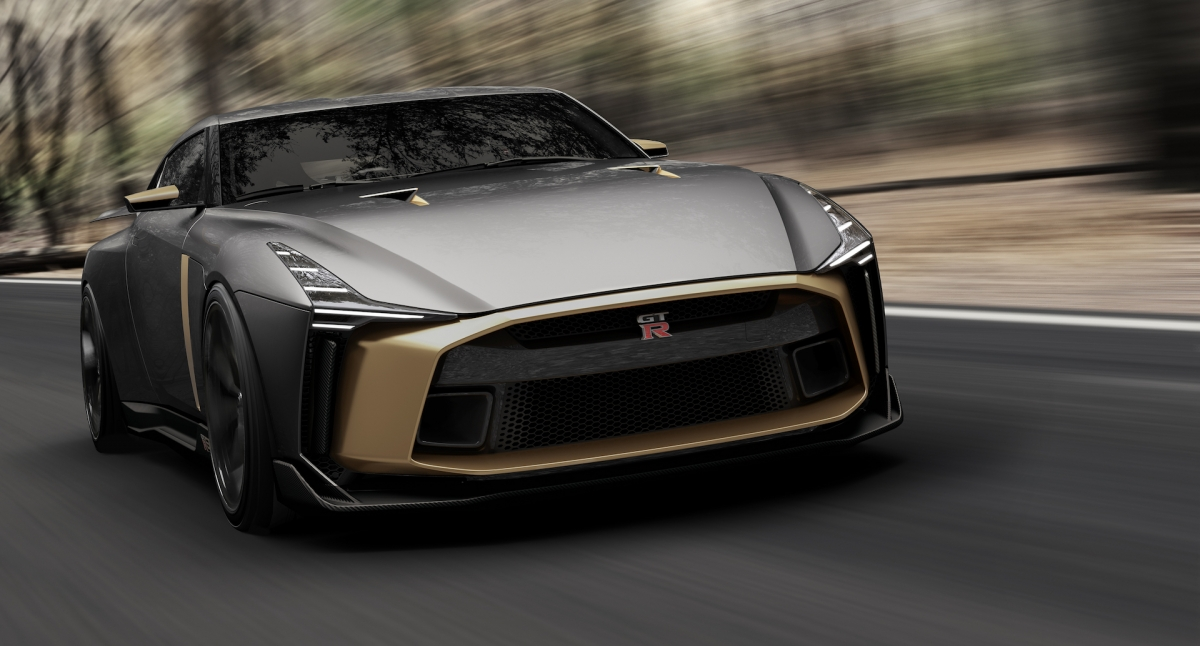 nissan gt r 50 gears up for goodwood debut. Black Bedroom Furniture Sets. Home Design Ideas